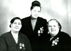 Карева М.Т., Иванова А.И., Попова В.И.(справа налево)
